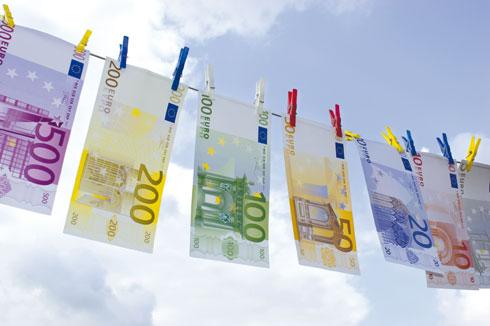 Blanchiment-Argent-Euros-28-FEV-2012